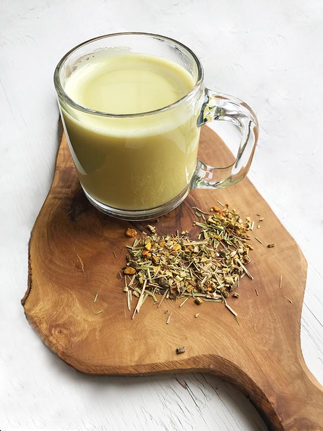 Mug of Turmeric Ginger Latte