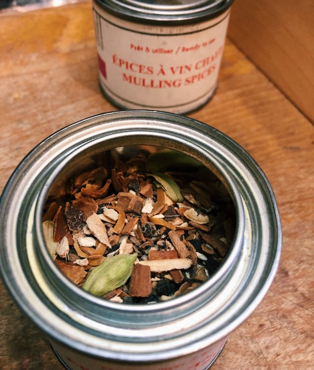 Zingerman's Deli shot of Epices de Cru Mulling Spice tin with an open view into the tin